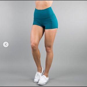 Buff bunny Melina shorts